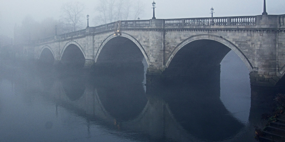 thames bridge long by Jim Linwood on flickr