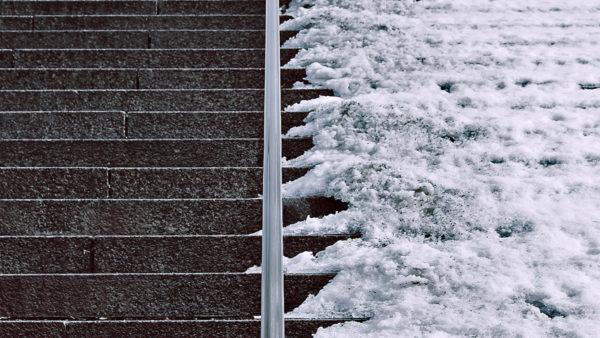 snow-stairs-2-by-gabriel-caparo