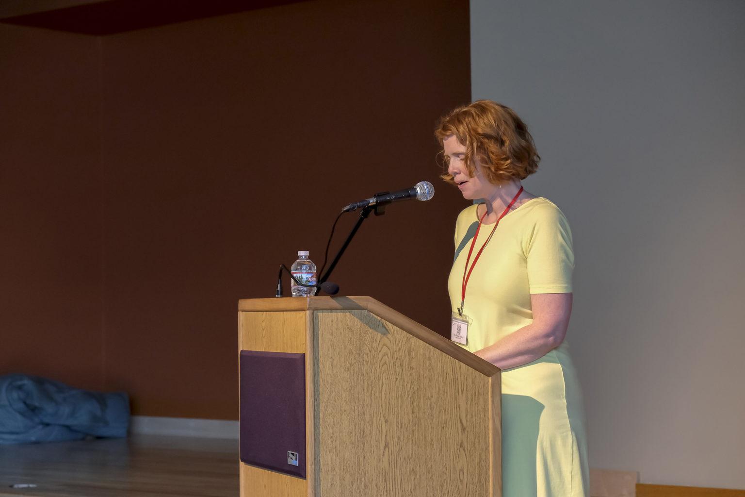 podium Mary